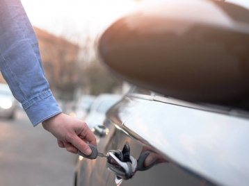 3 reasons to rent a car while yours is in repair