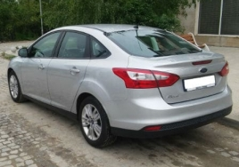 Ford Focus Sedan big thumb - 2
