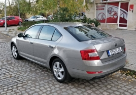 Skoda Octavia 2017 big thumb - 2