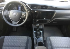 Toyota Auris  big thumb - 3