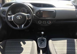 Toyota Yaris Автоматик big thumb - 3