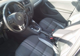 Volkswagen Jetta Automatic  big thumb - 4