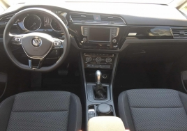Volkswagen Touran 5+2 Automatic  big thumb - 3