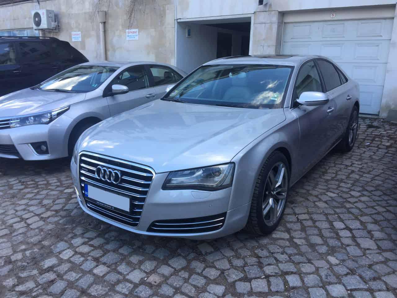Audi A8 под наем